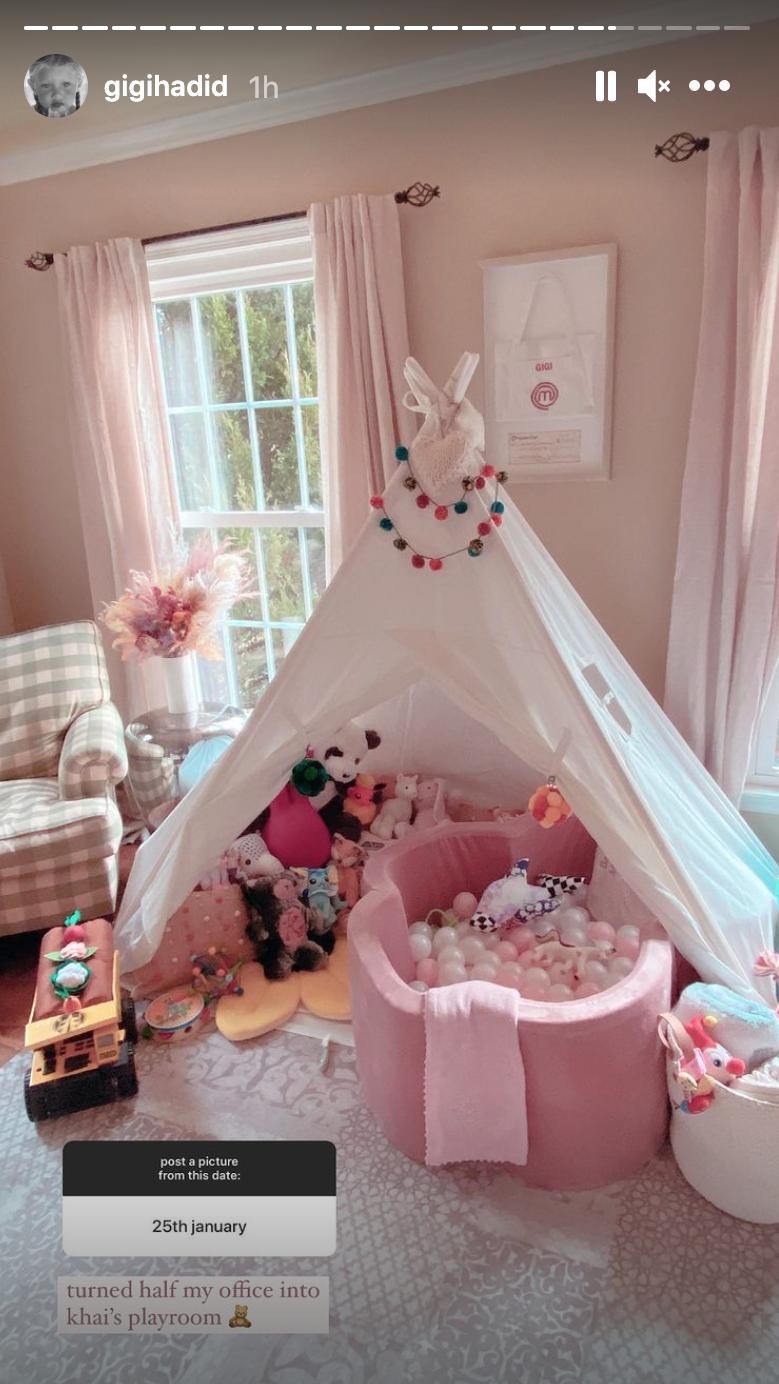 Khai's playroom as a play tent