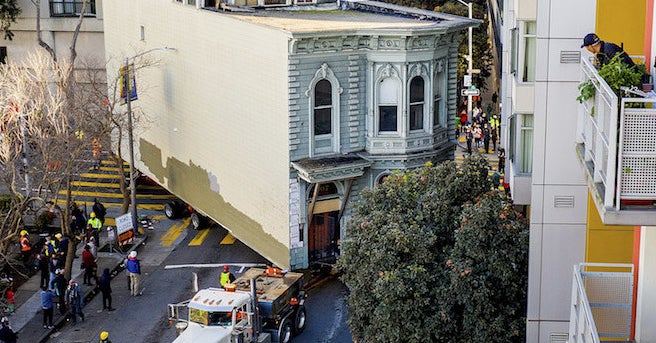 A 139-Year-Old Victorian House Was Moved Through The Streets Of San Francisco - BuzzFeed News
