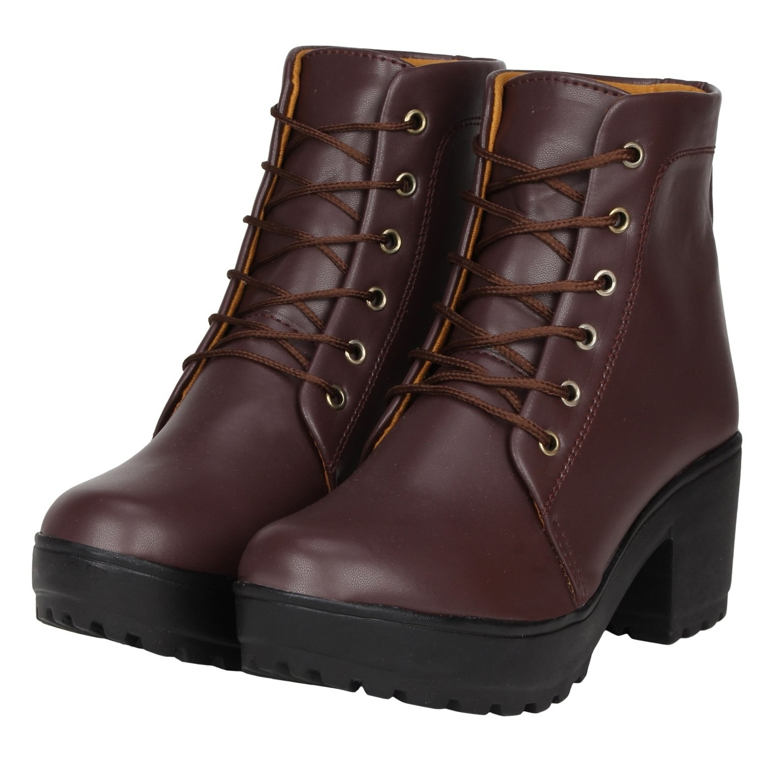 Chunky boots in brown