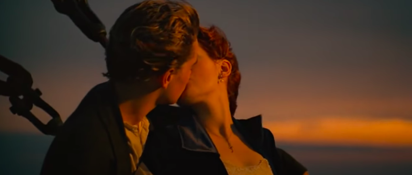 Jack and Rose kissing
