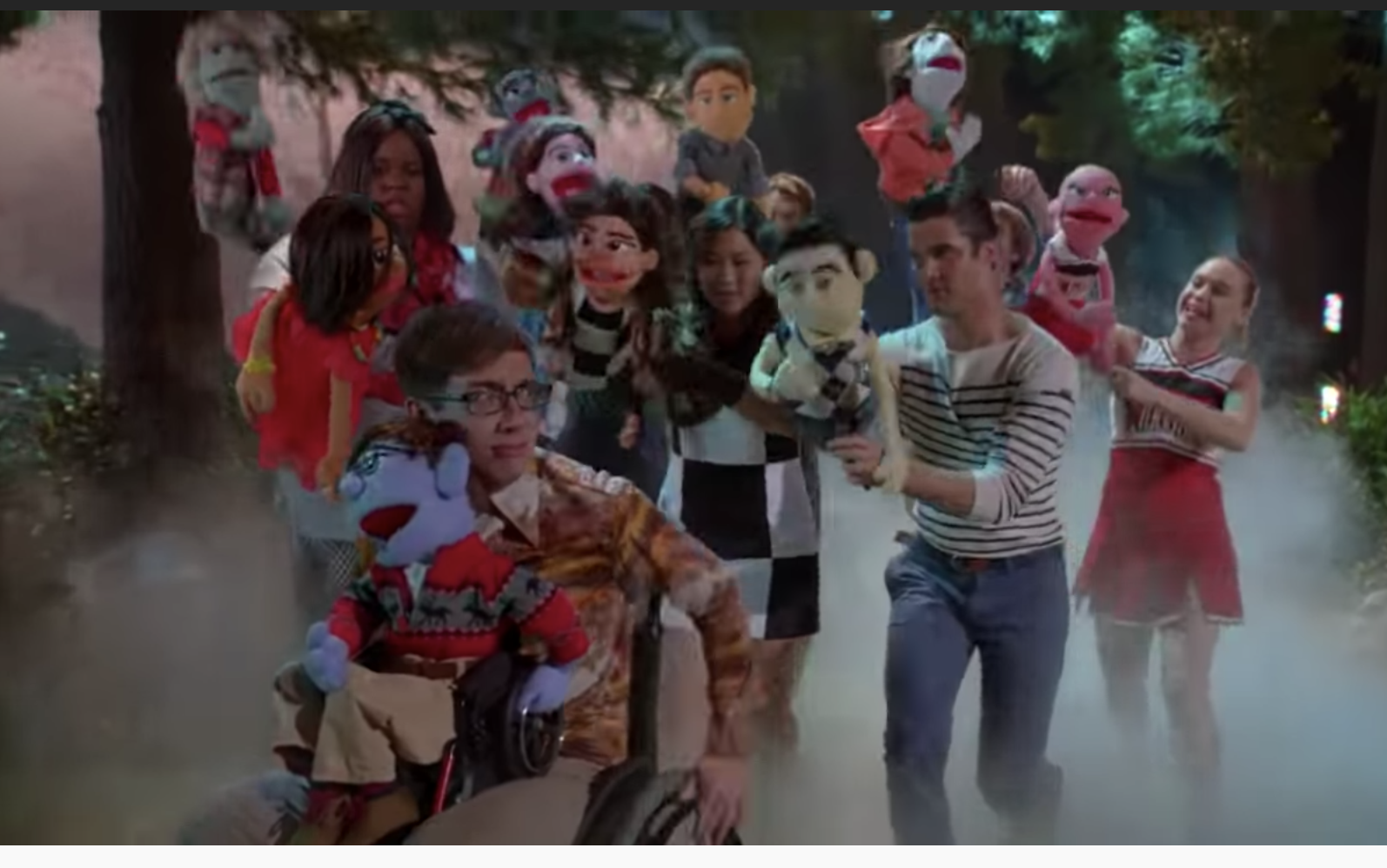 "The cast of glee performing ""What Does the Fox Say"" with puppets"