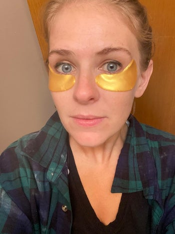 Reviewer wearing under eye patches by Le Gushe