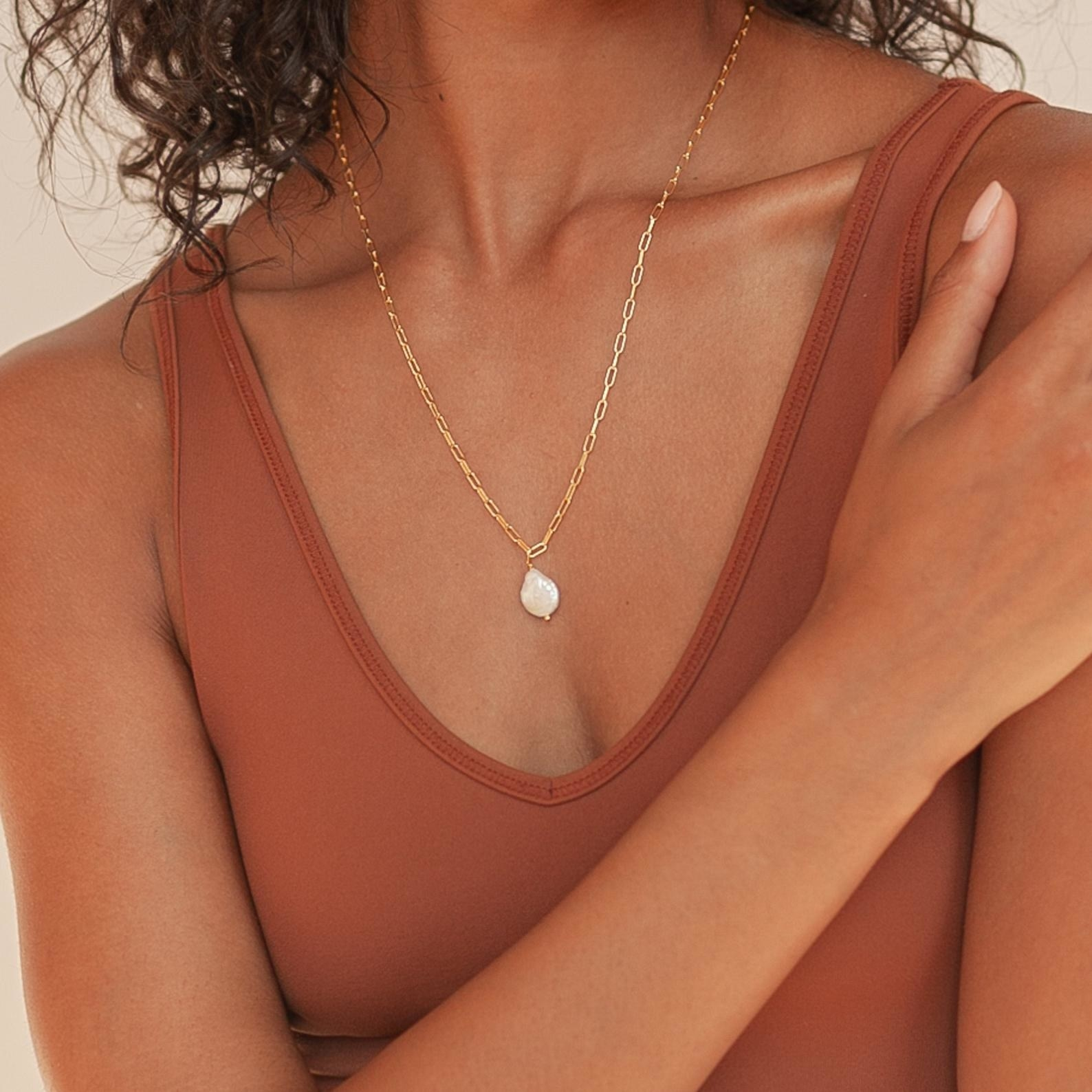 Baroque Pearl Pendant Necklace by Caitlyn Minimalist
