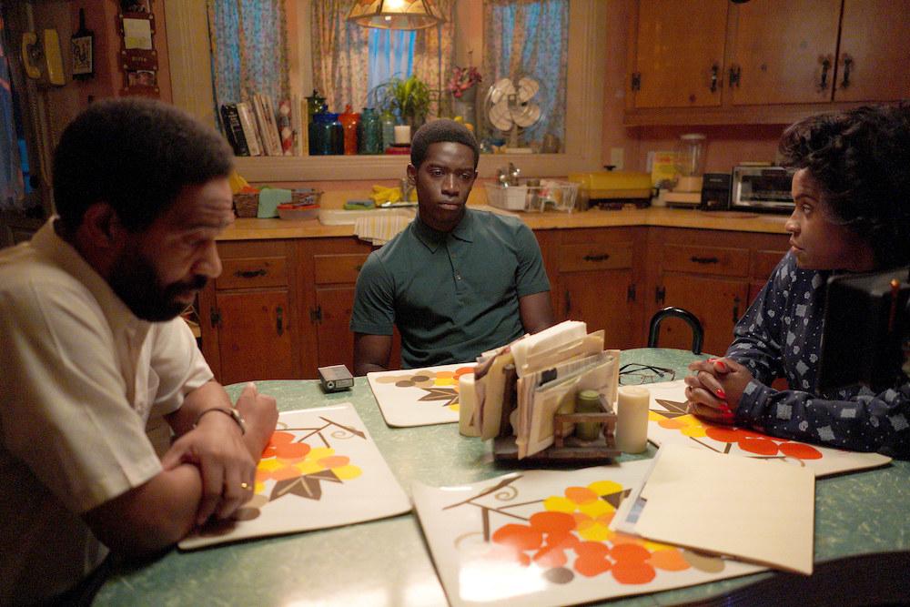 Pictured: (left to right) Kevin Carroll as Alton, Damson Idris as Franklin Saint, Michael Hyatt as Cissy Saint