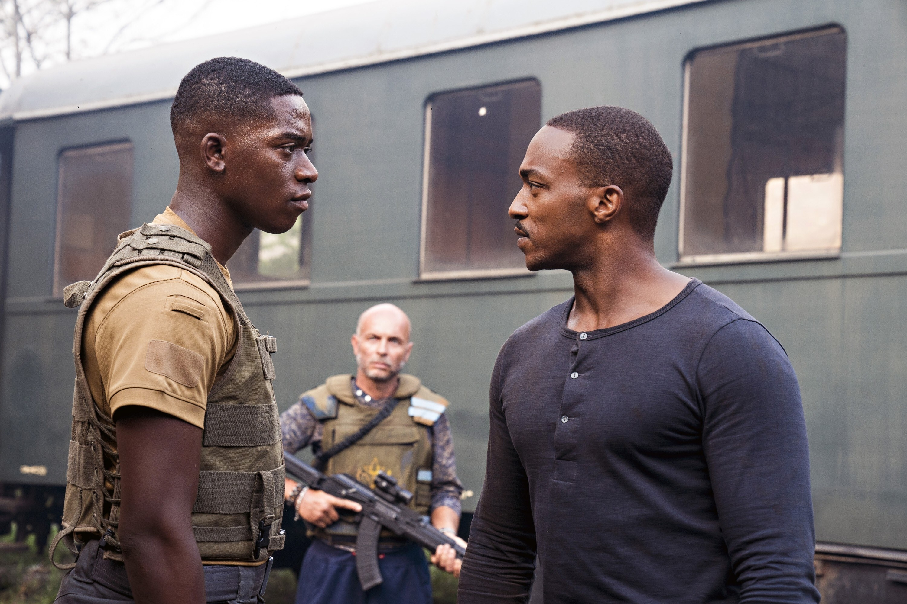 """Damson Idris, Anthony Mackie in """"Outside the Wire"""""""