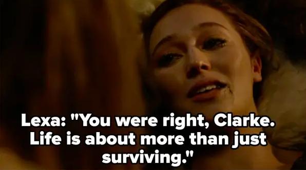 Lexa dies in Clarke's arms