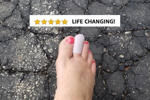 reviewer wearing toe cap on middle toe