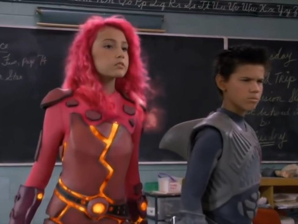 The iconic Lavagirl and Sharkboy in a classroom during the movie