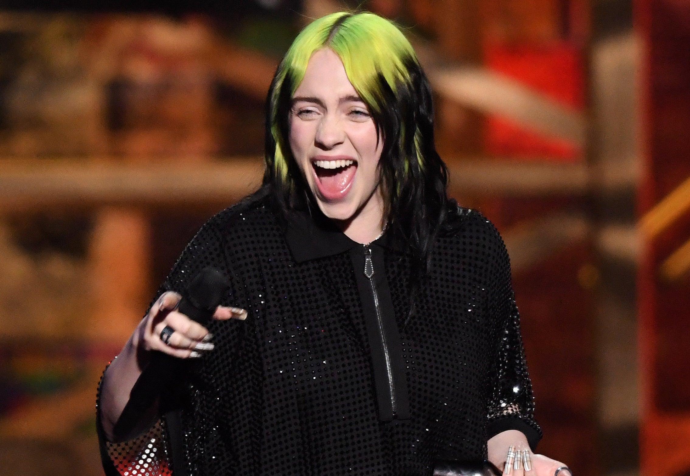 Billie screams onstage