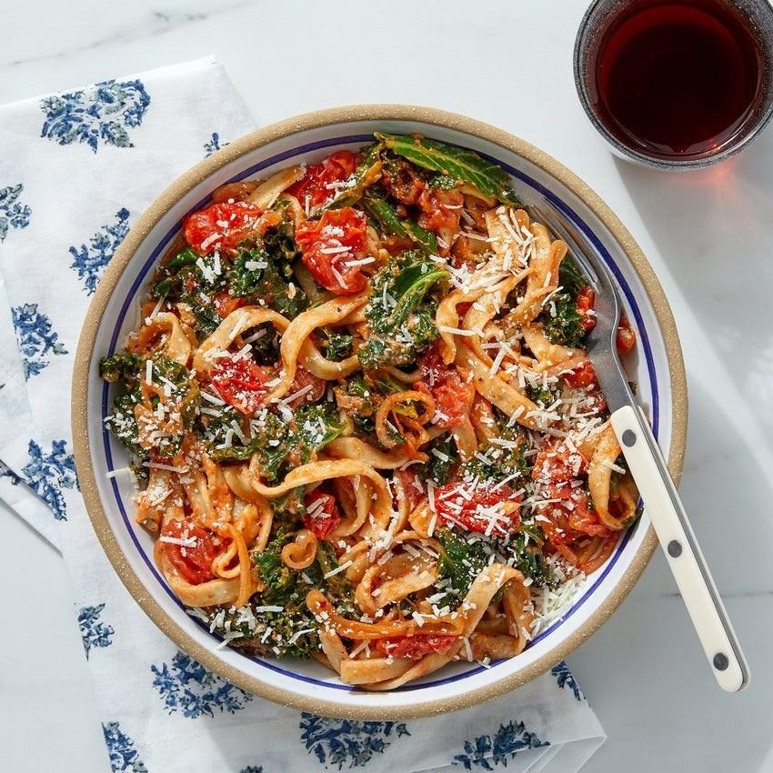 basil, tomato, and kale pasta