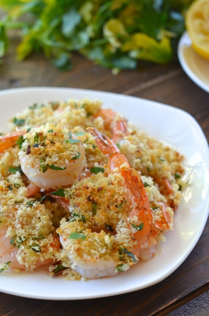 A plate of panko breaded shrimp.