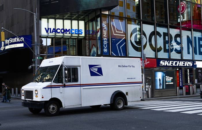 An old mail truck in New York City
