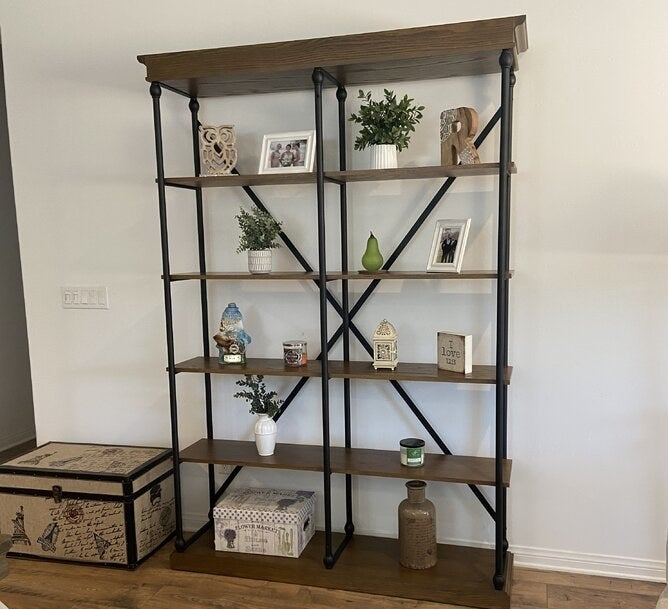 Review photo of the bookcase