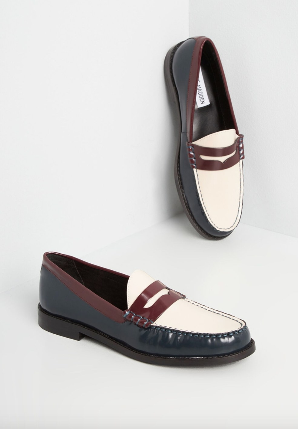 The penny loafer in white and burgundy