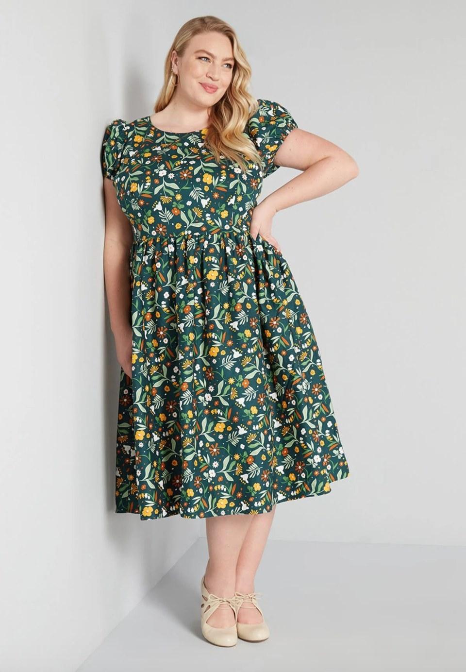 The plus-sized swing dress in green