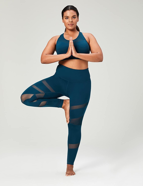 Model wearing the marine yoga leggings