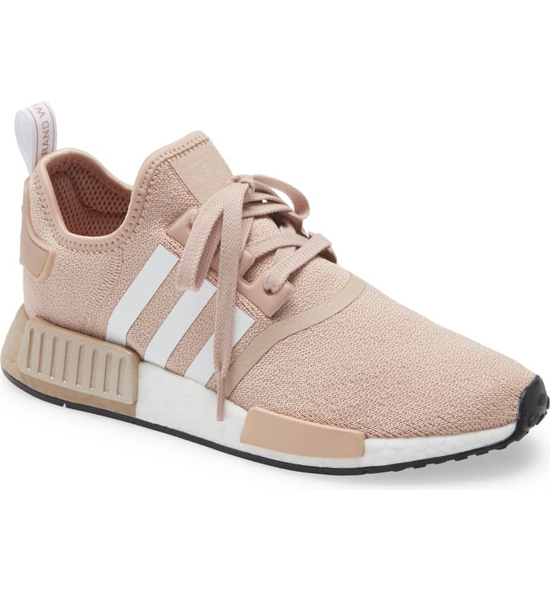 The sneakers in Ash Pearl
