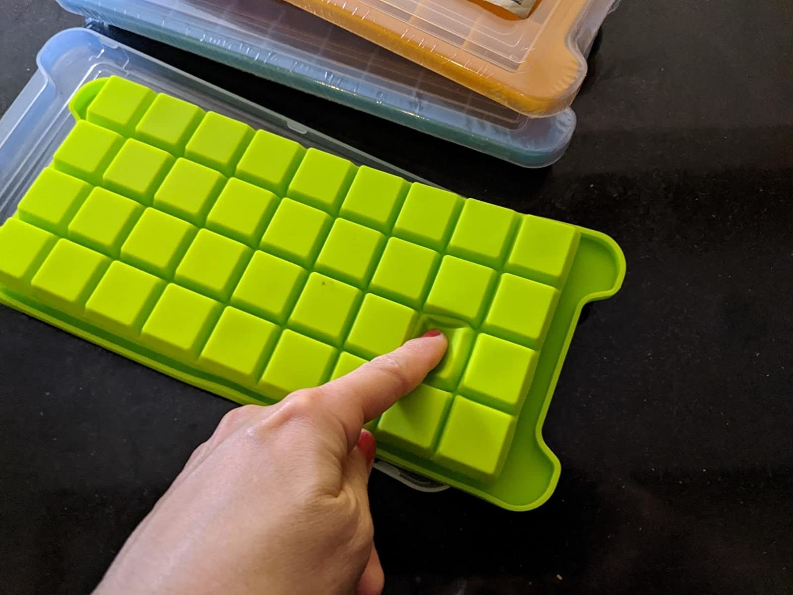 reviewer image of the ice tray with lids