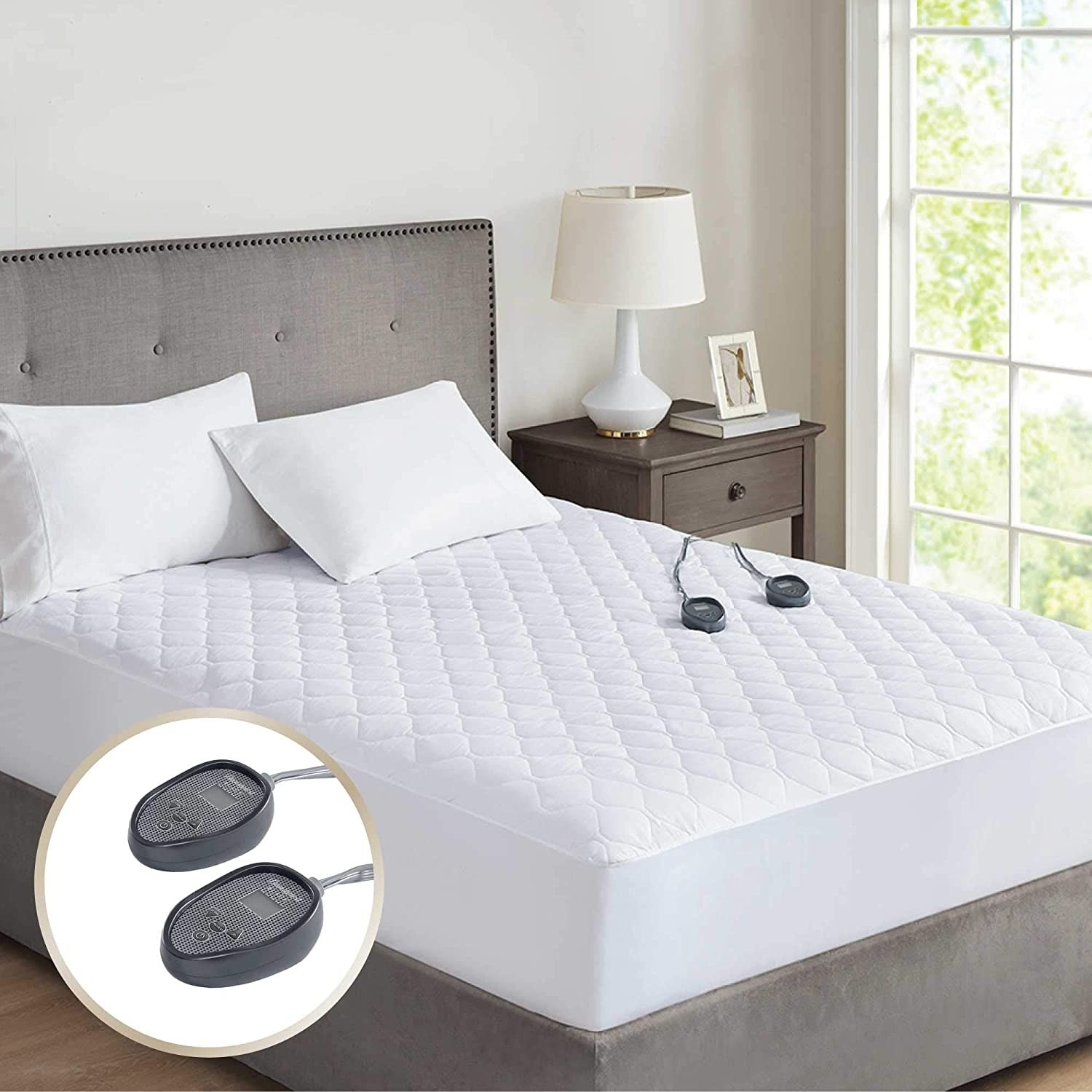 The heated mattress pad which has two controls