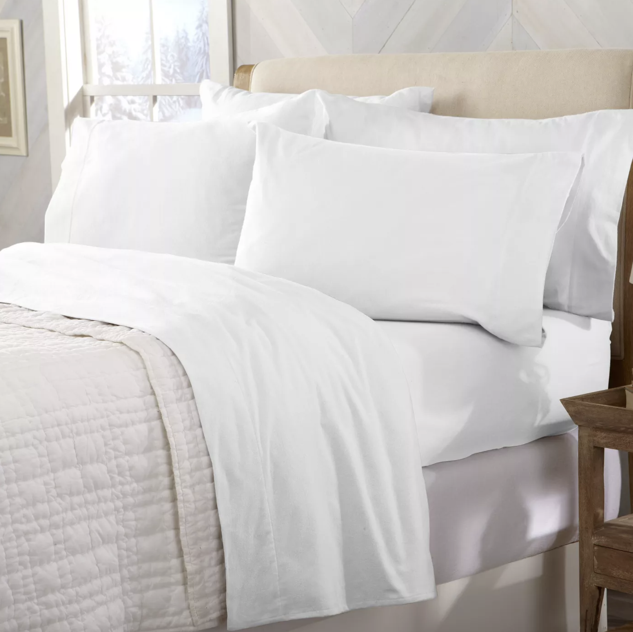 The flannel sheet set in winter white
