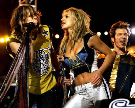 Britney Spears singing with Aerosmith on stage