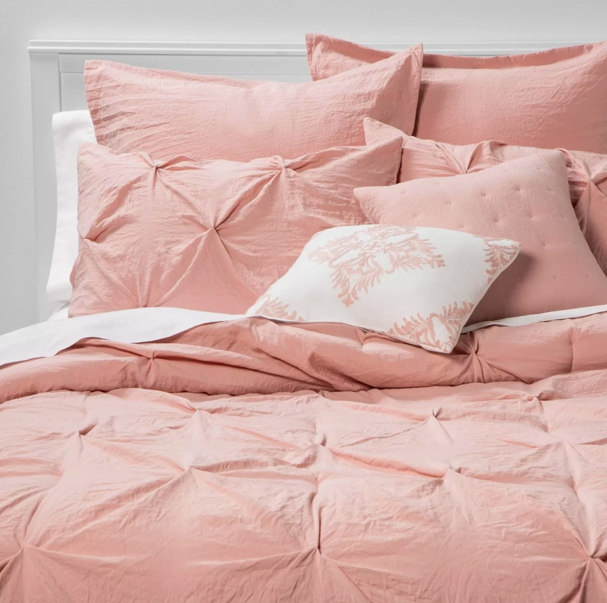 The pinch-pleast bed set