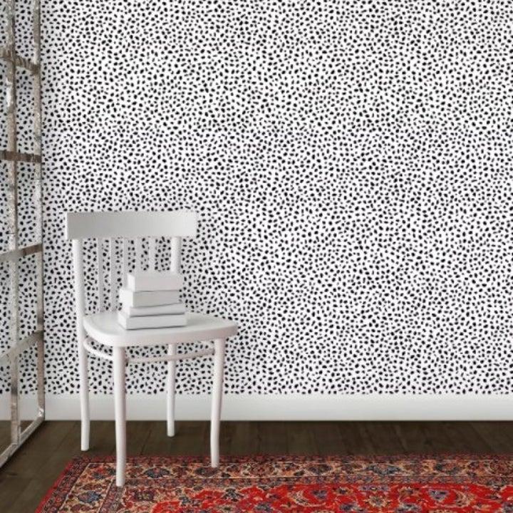 The speckled dot wallpaper in black