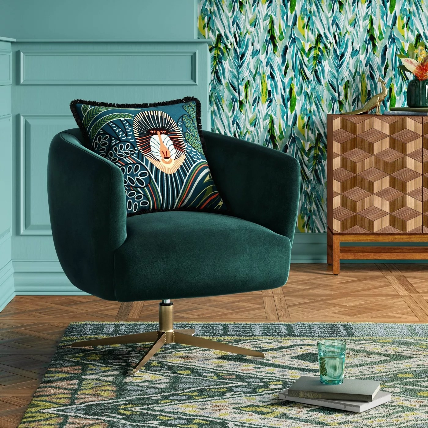 The velvet chair in green