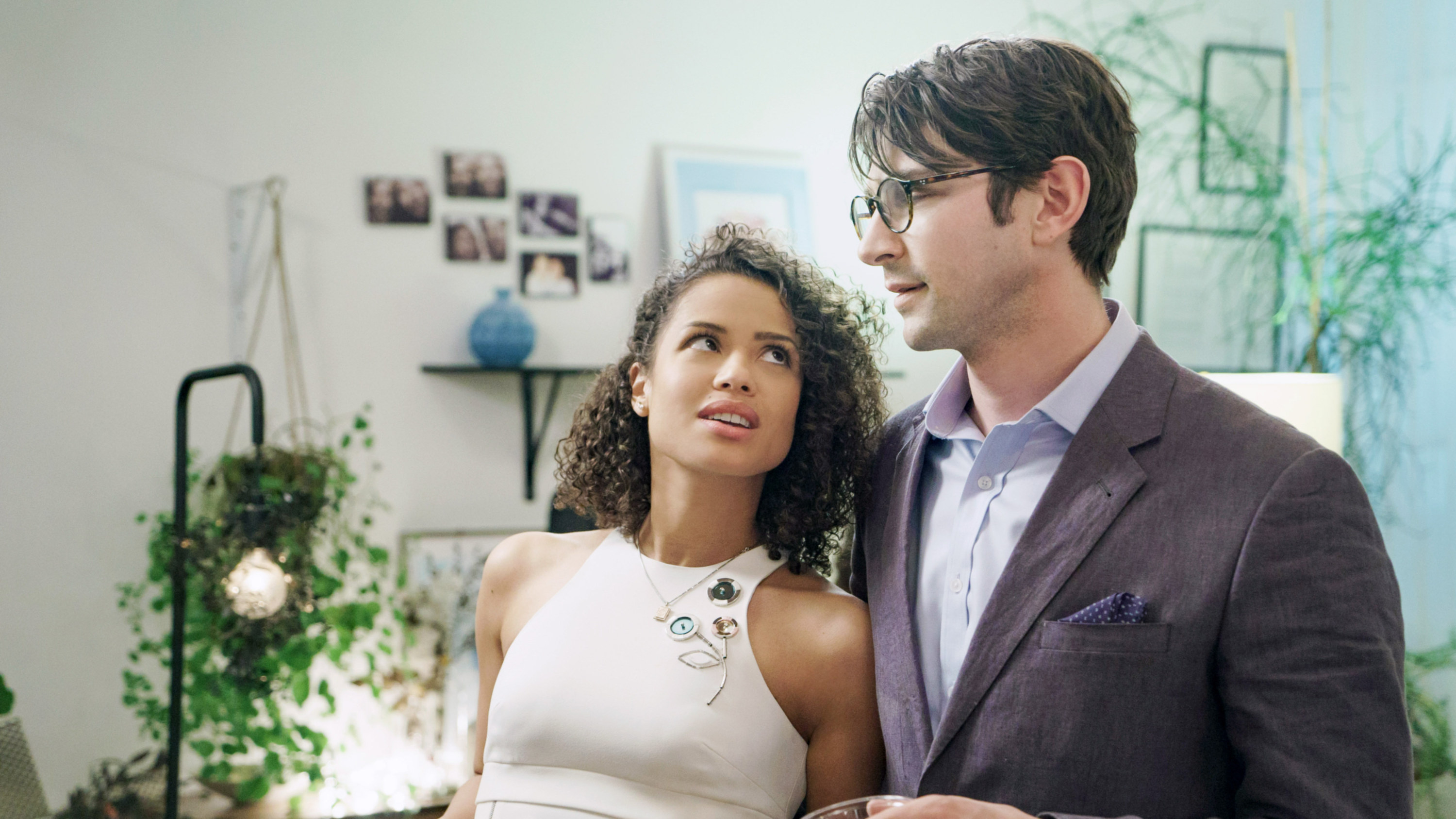 """Gugu Mbatha-Raw and Michiel Huisman in """"Irreplaceable You"""""""