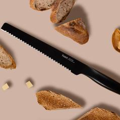 Bread knife in solid black