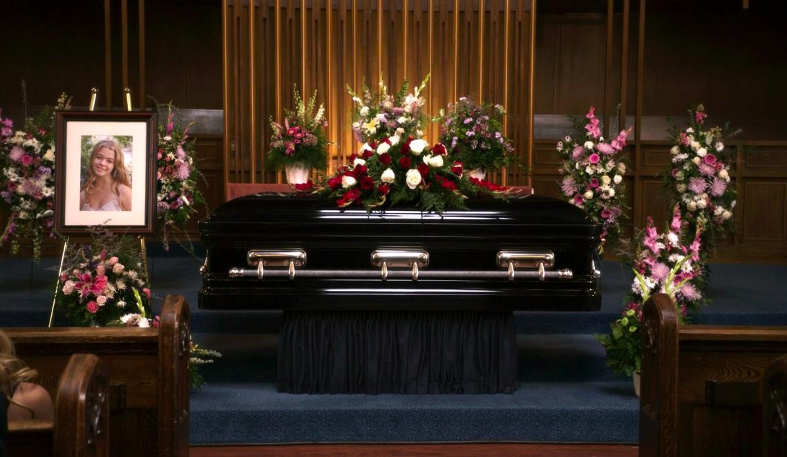 Alison's funeral in Season 1
