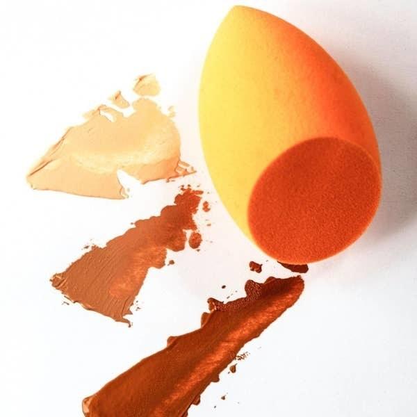 The makeup sponge