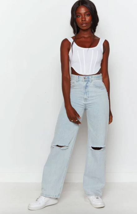 A model wearing the jeans