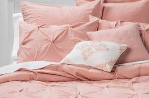 pink pinch-pleast bed set