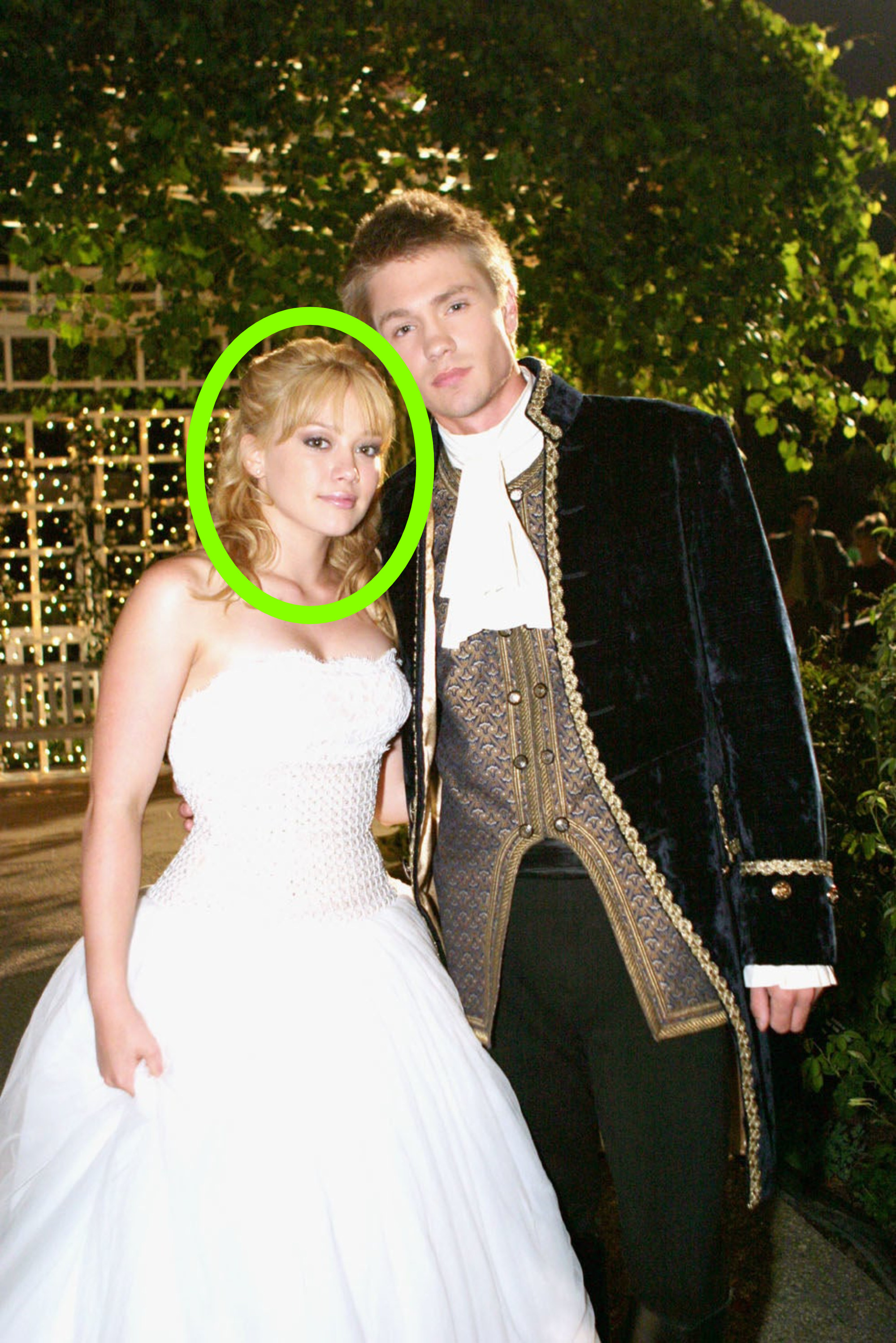 Hilary Duff and Chad Michael Murray in a promo picture for A Cinderella Story in their ball outfits