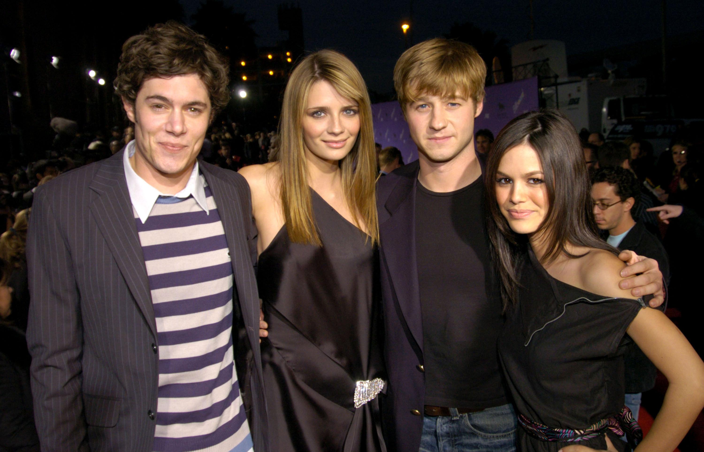 Rachel and Adam pose with co-stars Ben McKenzie and Mischa Barton