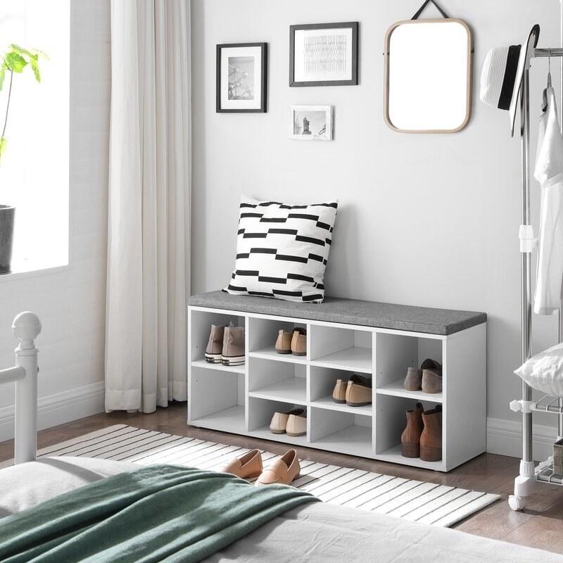 The shoe storage bench
