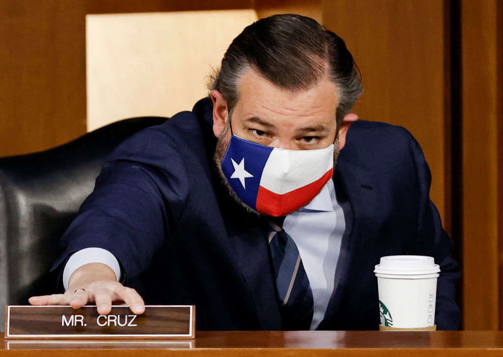 Ted Cruz wearing a mask