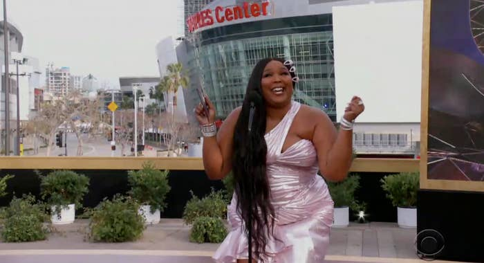 Lizzo singing at the Grammy ceremony