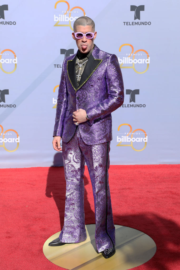 Bad Bunny arrives in a purple suit at the 2018 Billboard Latin Music Awards