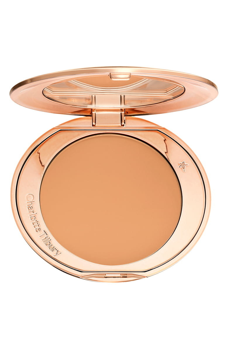 Charlotte Tilbury powder in Tan