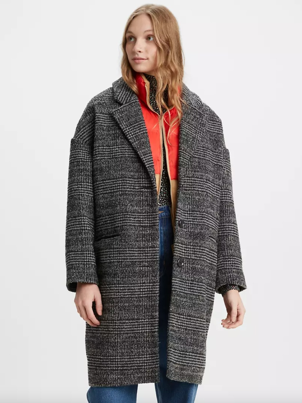 The wool cocoon coat in caviar black