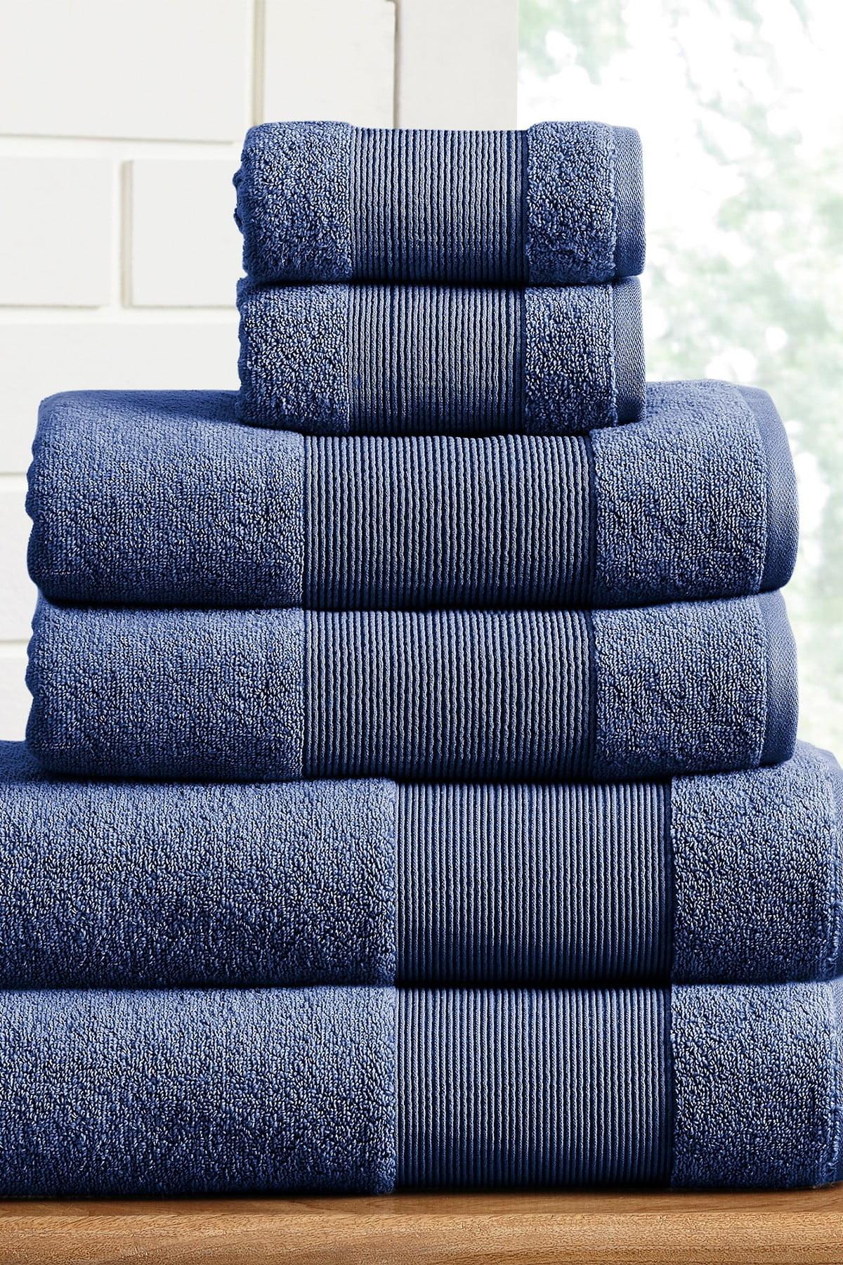 the towel set in navy