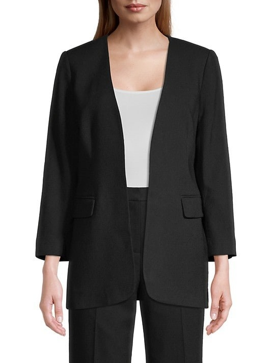Model wearing the oversized blazer with two pockets