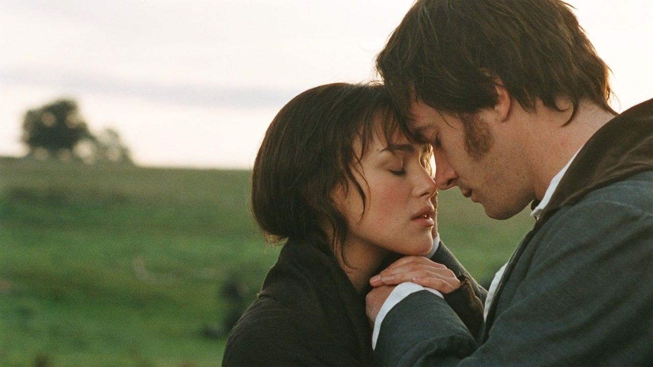 Keira Knightley and Matthew Macfadyen's characters embrace