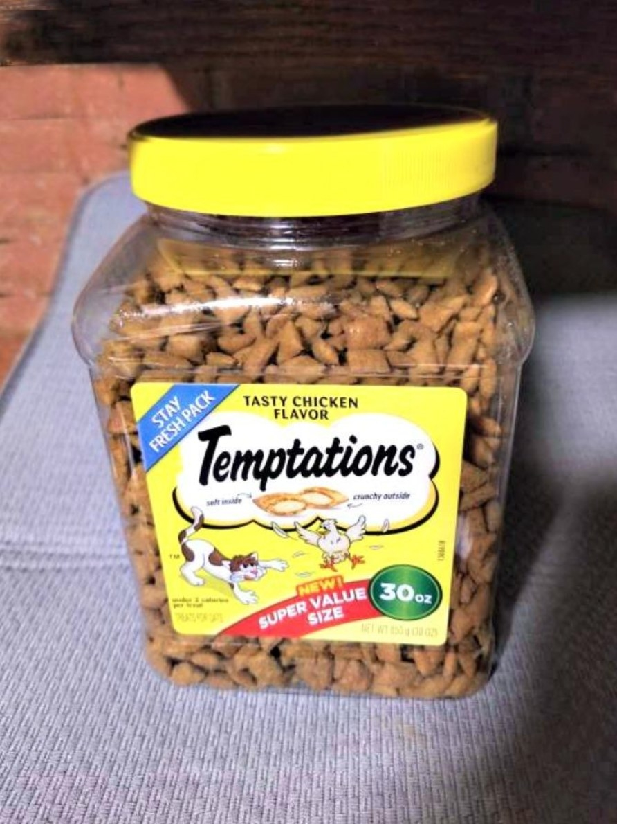 The reviewer's image of the Termptation's treat bin