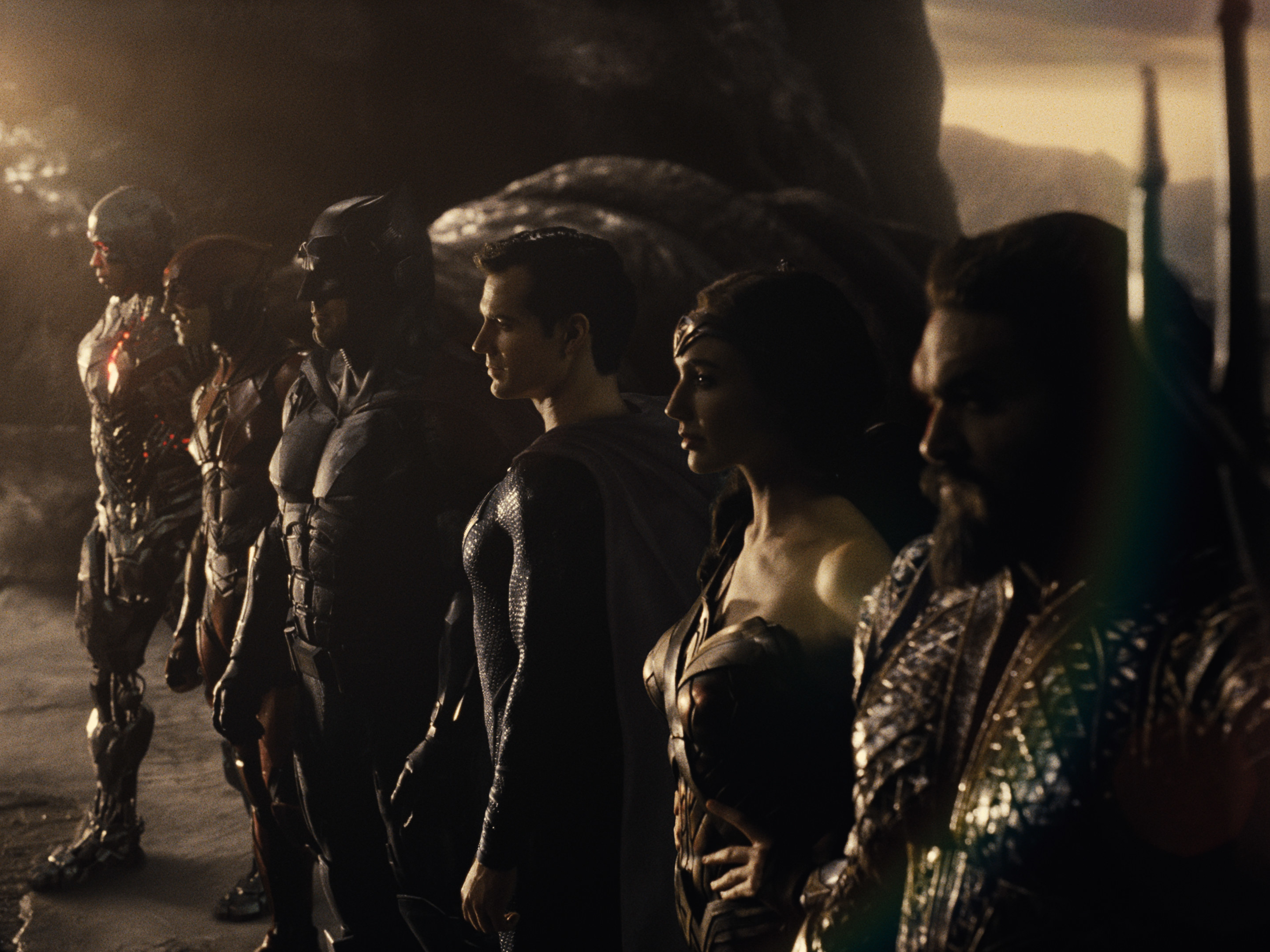 Cyborg, The Flash, Batman, Superman, Wonder Woman, and Aquaman lined up and ready to face off
