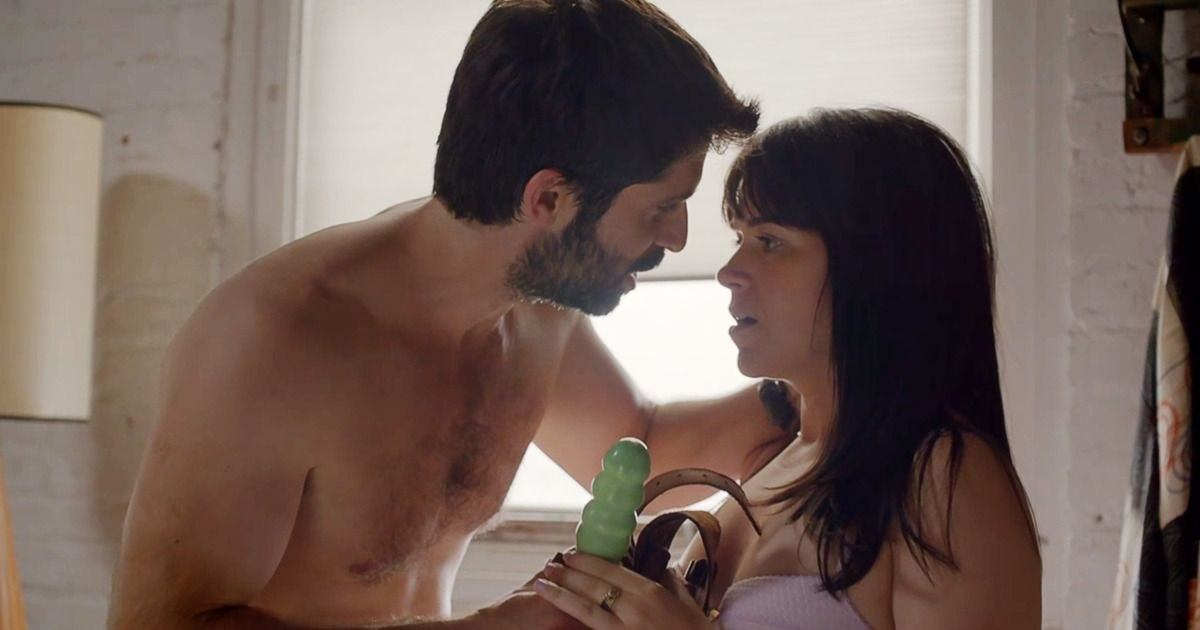 """An image of Abbi Jacobson from """"Broad City"""" getting ready to peg"""