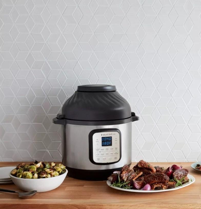 The Instant Pot air fryer
