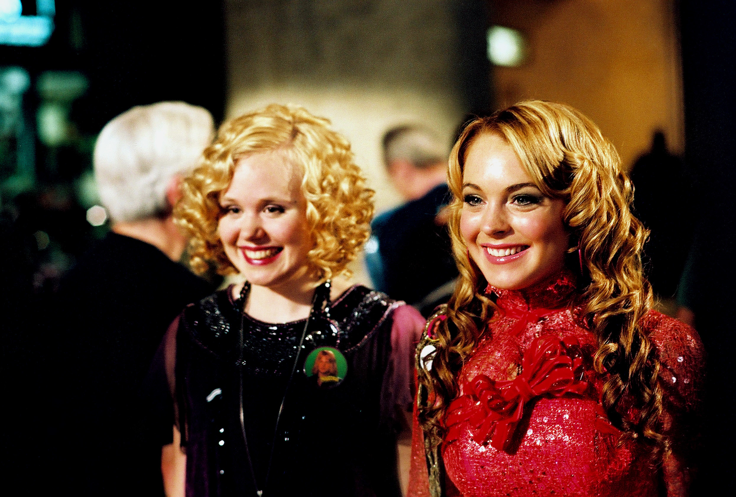 Alison Pill and Lindsay Lohan in the movie Confessions of a Teenage Drama Queen